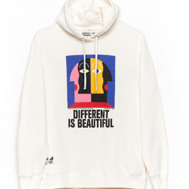 Sudadera Different by Oggian.Tiwel